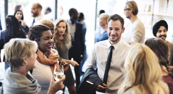 Give yourself the gift of networking – how to network during the holidays